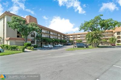Lauderhill Condo/Townhouse For Sale: 5961 N Falls Circle Dr #413