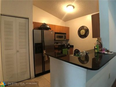 Oakland Park Condo/Townhouse For Sale: 2810 N Oakland Forest Dr #310