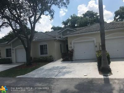 Deerfield Beach Condo/Townhouse For Sale: 1247 SW 48th Ter #1247