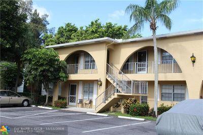Delray Beach Condo/Townhouse For Sale: 13702 Via Flora #E