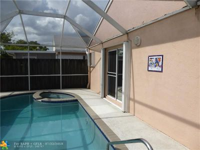 Davie Single Family Home For Sale: 4235 SW 72nd Ter