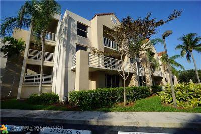 Hollywood Condo/Townhouse For Sale: 2711 Ocean Club Blvd #105