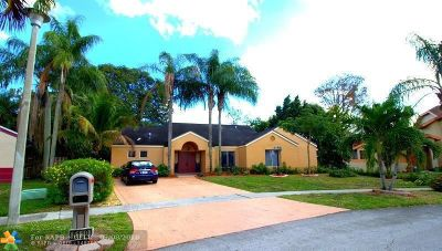 Lauderhill Single Family Home For Sale: 5110 NW 73rd Way