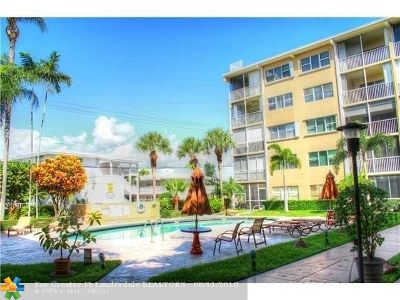 Lauderdale By The Sea Condo/Townhouse For Sale: 4117 Bougainvilla Dr #107