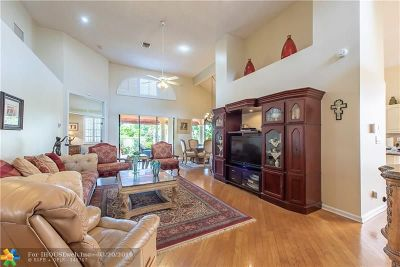Broward County Single Family Home For Sale: 2969 Via Napoli