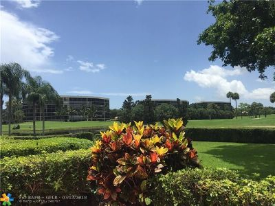 Lake Worth Condo/Townhouse For Sale: 6982 Fountains Cir #6982