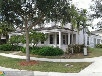 Davie Single Family Home For Sale: 4762 Village Way