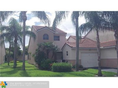 Tamarac Condo/Townhouse For Sale: 8209 NW 70th St #8209