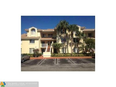 West Palm Beach Condo/Townhouse For Sale: 14204 Glenmoor Dr #14204