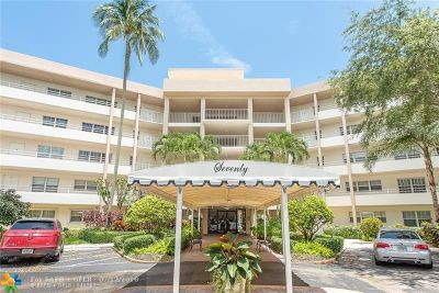 Pompano Beach Condo/Townhouse For Sale: 3800 Oaks Clubhouse Dr #301