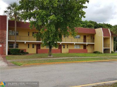 Tamarac Condo/Townhouse For Sale: 8060 Colony Cir #101