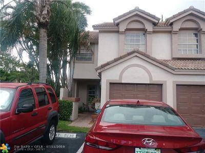 Boca Raton Condo/Townhouse For Sale: 9538 Boca River Cir #4