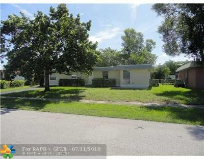 Tamarac Single Family Home For Sale: 7900 NW 67th Ave