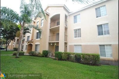West Palm Beach Condo/Townhouse For Sale: 4211 San Marino Blvd #205