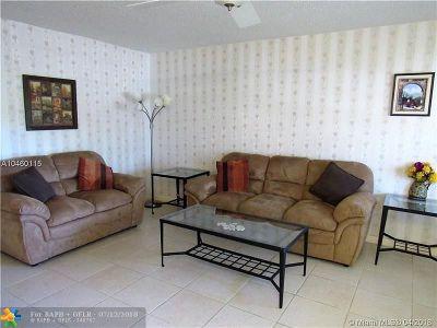 Deerfield Beach Condo/Townhouse For Sale: 143 Markham G #143