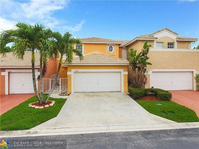 Coral Springs Condo/Townhouse For Sale: 5635 NW 119th Way #5635