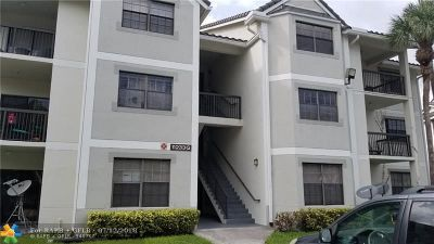 Coral Springs Condo/Townhouse For Sale: 11233 W Atlantic Blvd #308