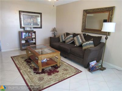 Deerfield Beach Condo/Townhouse For Sale: 49 Newport C #549