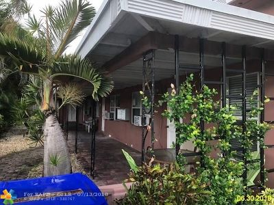 Lauderdale By The Sea Multi Family Home For Sale: 4313 Bougainvilla Dr