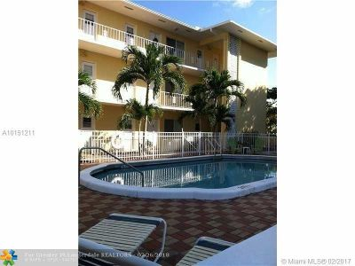 Fort Lauderdale Condo/Townhouse For Sale: 3061 NE 49th St #18