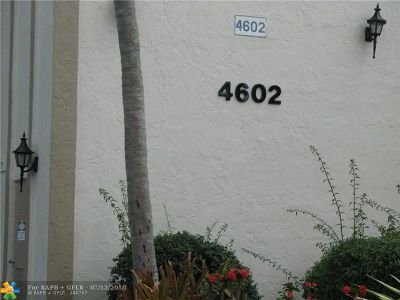 Coconut Creek Condo/Townhouse For Sale: 4602 Martinique Way #B4