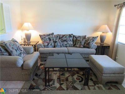 Deerfield Beach Condo/Townhouse For Sale: 32 Ventnor B #32