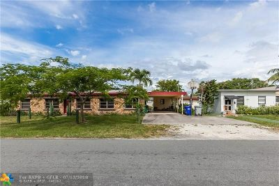 Pompano Beach Multi Family Home For Sale: 140 NE 13th Avenue