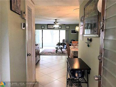 Delray Beach Condo/Townhouse For Sale: 148 Capri D #148