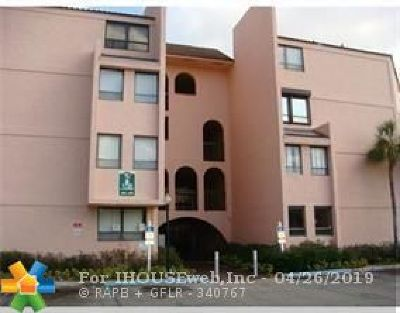 West Palm Beach Condo/Townhouse For Sale: 1720 N Congress Ave #108B