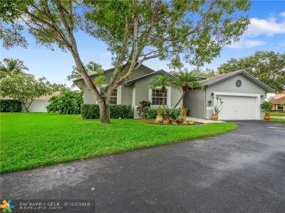 Cooper City Single Family Home For Sale: 8965 SW 59th Ct
