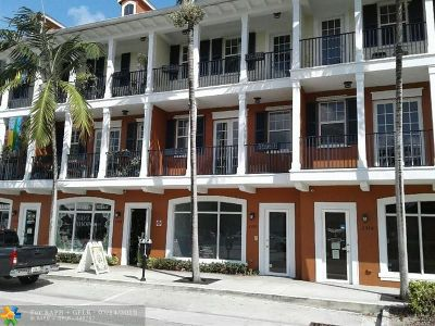 Wilton Manors Condo/Townhouse For Sale: 2372 Wilton Dr #18