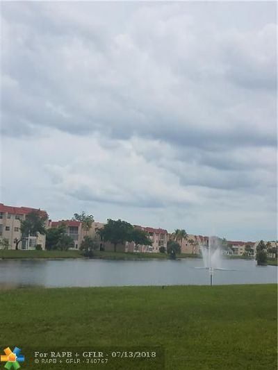 Sunrise Condo/Townhouse For Sale: 2950 Sunrise Lakes Dr #303