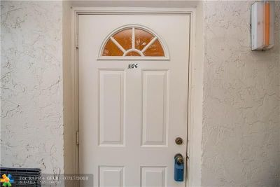 Pembroke Pines Condo/Townhouse For Sale: 381 S Hollybrook Dr #106