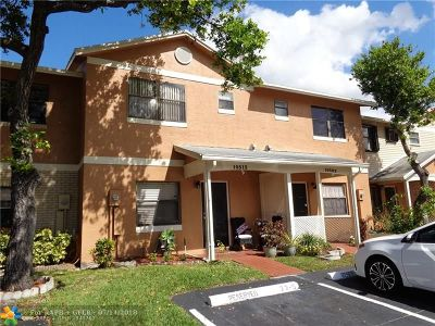 Pembroke Pines Condo/Townhouse For Sale: 10513 NW 6th St #10513