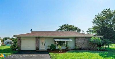 Tamarac Single Family Home For Sale: 6592 Westwood Blvd W