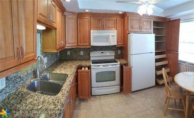 Coconut Creek FL Condo/Townhouse For Sale: $108,900