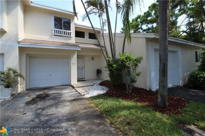 Deerfield Beach Condo/Townhouse For Sale: 1959 Discovery Cir #1959