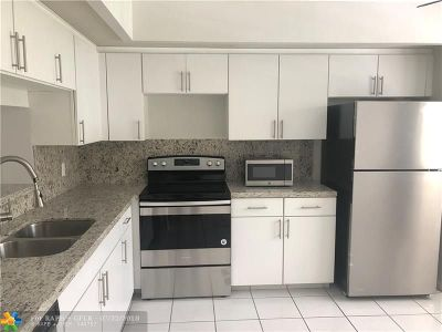 Pembroke Pines Condo/Townhouse For Sale: 901 SW 128th Ter #310A