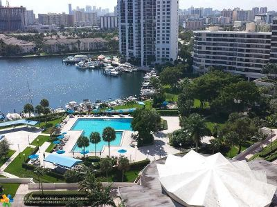 Hallandale Condo/Townhouse For Sale: 2500 Parkview Dr #1116