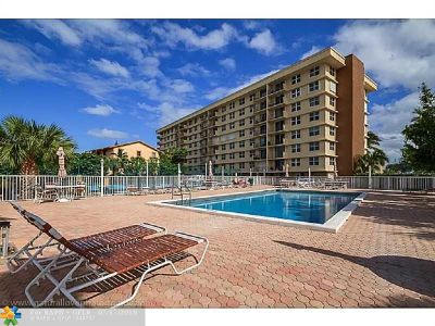 Pompano Beach FL Condo/Townhouse For Sale: $265,000