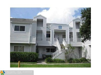Lauderdale Lakes Condo/Townhouse For Sale: 3461 NW 44th St #203