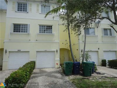 Lauderhill Condo/Townhouse For Sale: 3603 NW 14 Ct #3603