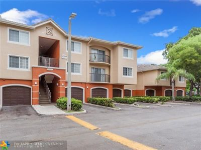 West Palm Beach Condo/Townhouse For Sale: 4199 N Haverhill Rd #114