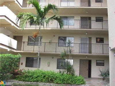 North Lauderdale Condo/Townhouse For Sale: 8000 Hampton Blvd #205