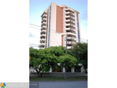 Coral Gables Condo/Townhouse For Sale: 911 E Ponce De Leon Blvd #702