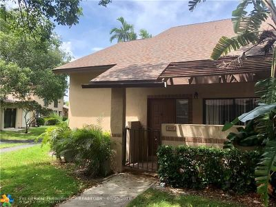 Coconut Creek Condo/Townhouse For Sale: 3605 NW 21st Ct #3605