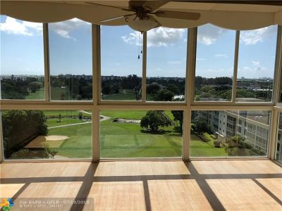 Pompano Beach Condo/Townhouse For Sale: 3300 N Palm Aire Dr #901
