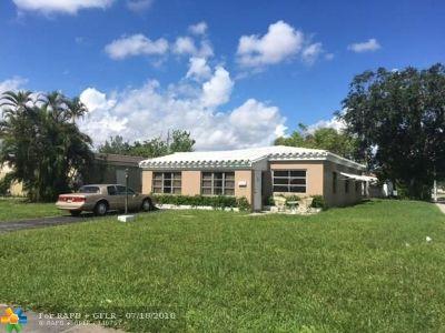 North Miami Beach Single Family Home For Sale: 1495 NE 177th St