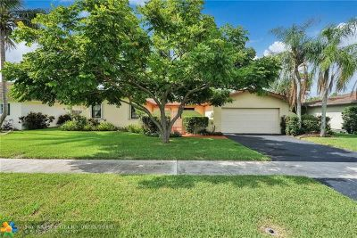 Davie Single Family Home For Sale: 8405 SW 26th St