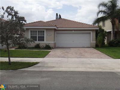 Davie Single Family Home For Sale: 7839 Silverado Ct